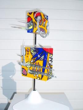 Etoile bleue   58 cm X 48cm X28cm (toiles, acrylique, métal, aluminium,  céramique)