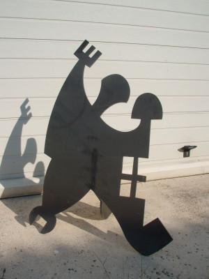 L'homme métiers   1M x 73cm x 44cm (sculpture fer)   VENDU