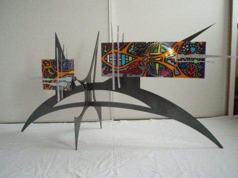 Petit rêve   1,38m x 72cm x 42cm   (toiles, acrylique,  métal, polystyrène, fer)
